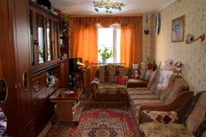 Продается 3 комнатная квартПродается 3 комнатная квартира ул. Танкистов, 193Вира ул. Танкистов, 193В
