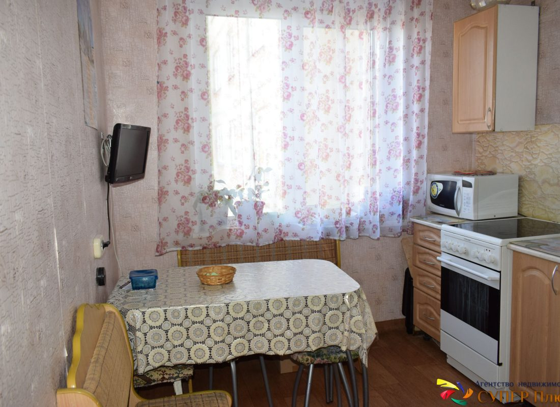 Продается 4 комнатная квартира ул. Чичерина, 5